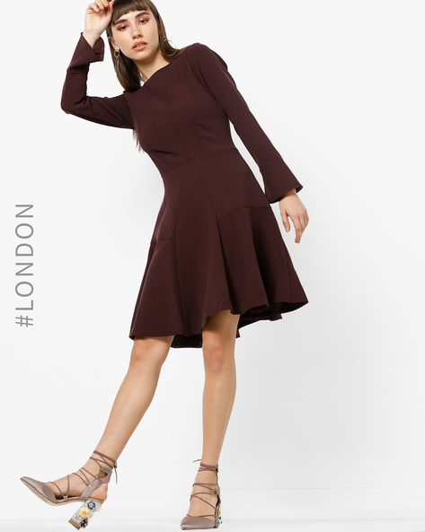 Panelled Fit & Flare Dress With Bell Sleeves By Closet London ( Wine )