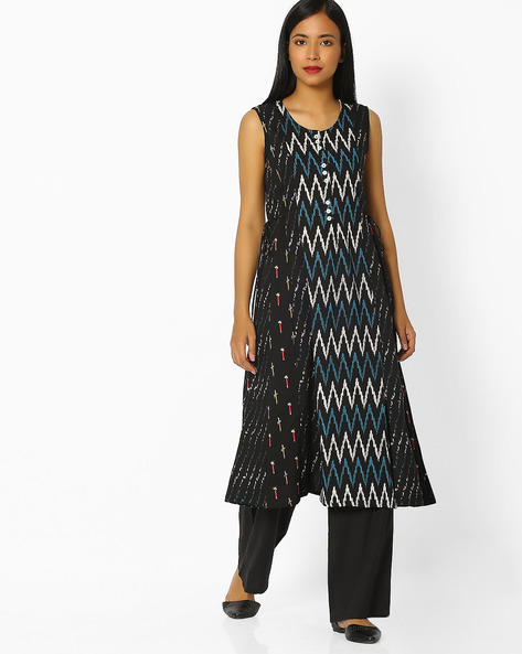 Chevron Print Sleeveless Kurta By SIYAHI ( Black )