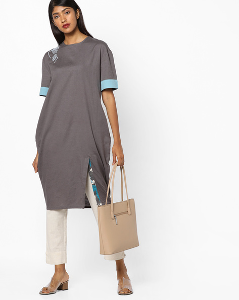 Kurta With Contrast Sleeve Hems By AJIO ( Charcoal )