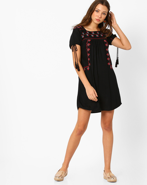 A-line Dress With Emroidery By Glamorous ( Black )