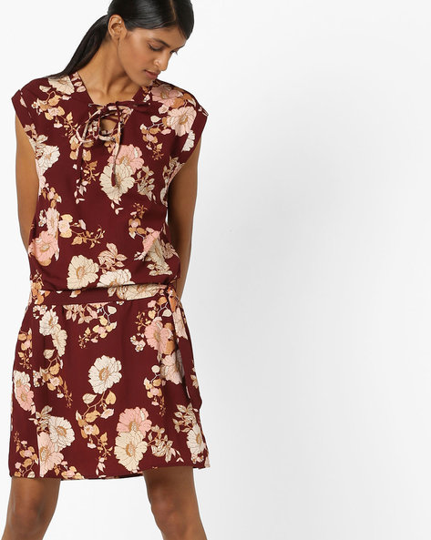 Floral Print Dress With Lace-Up Neckline By Oxolloxo ( Wine )