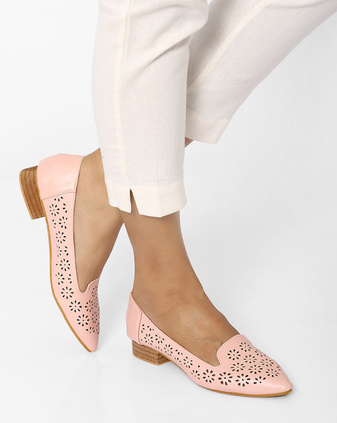 Pointy-Toe Shoe With Laser Cut Detail By MFT Couture ( Pink )