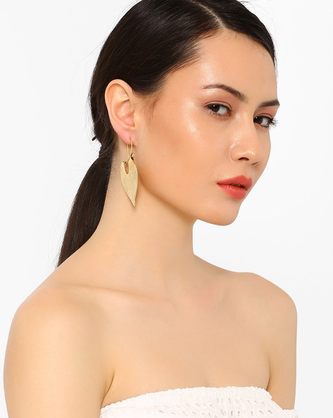 Drop-Earrings With Hammered Finish By AJIO ( Gold )