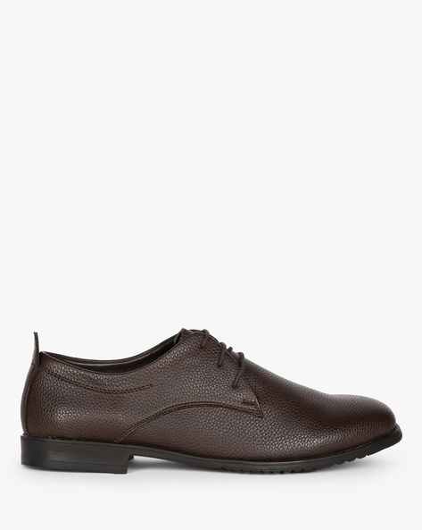 Textured Derby Shoes By ESCARO ( Brown )